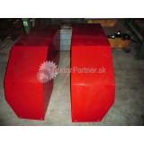Blatník ľavý - červený [BRNENSKA KABINA, Z 72bocna strana kratsia,vnutorna hrana 52 cm, dopredaj]
