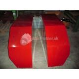 Blatník pravý - červenný [BRNENSKA KABINA Lipany, bocna strana kratsia,72, 52 cm šírka vnut plechu ]